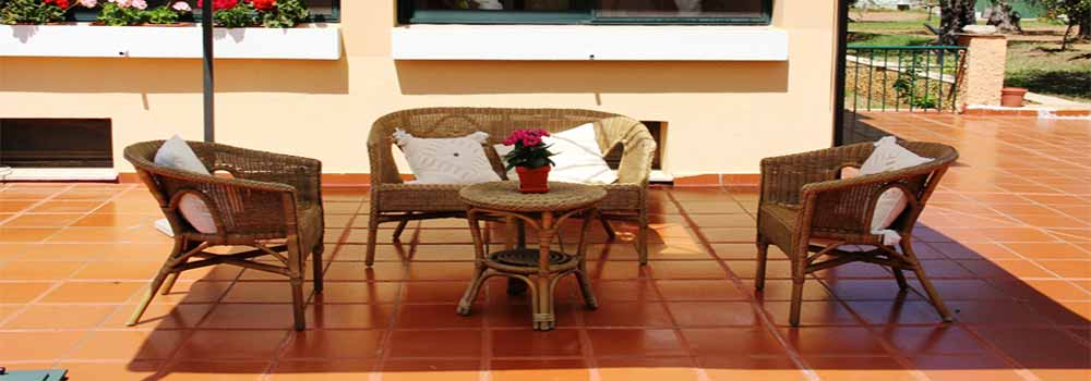 Alghero B&B Villa Grazia, The gazebo, relaxing corner for the hot summer afternoons in Sardinia.